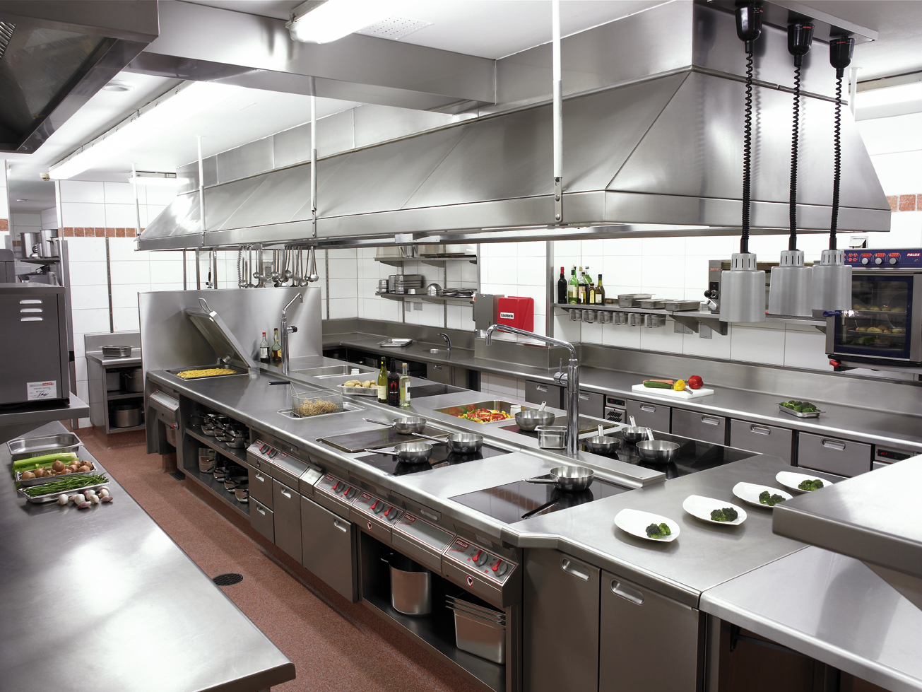 hotel-kitchen-equipment
