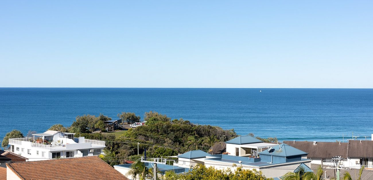 Factors To Look In While Booking A Beach Holiday rental In Coolum